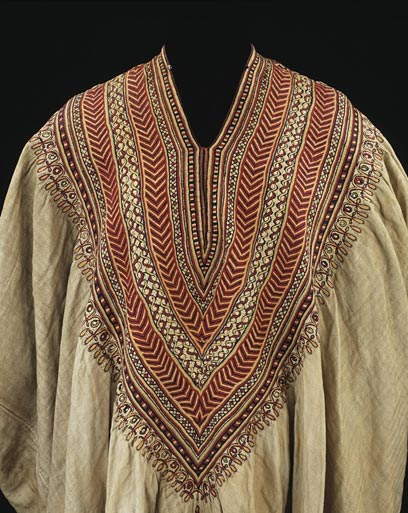 Woman's dress formerly in the possession of Queen Woyzaro Terunesh - Cotton embroidered with silk - Ethiopia - 1860s